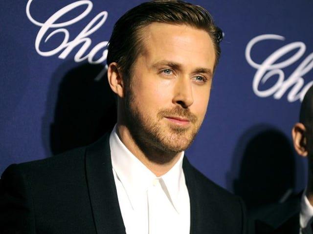 "Ryan Gosling honors Debbie Reynolds as an ""inspiration"" for La La Land"