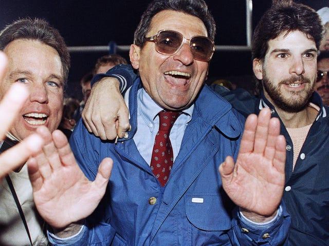 L'opinione della Corte rivela che Joe Paterno, secondo quanto riferito, sapeva di Jerry Sandusky che molesta i bambini già nel 1976