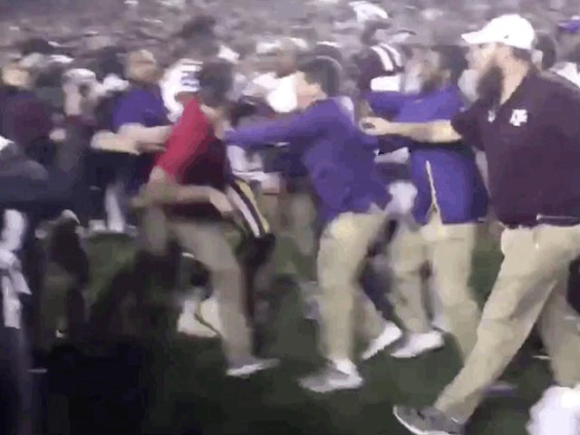 Kevin Faulk Trades Punches With A&M Goober In On-Field Scrape Following Aggies Overtime Win