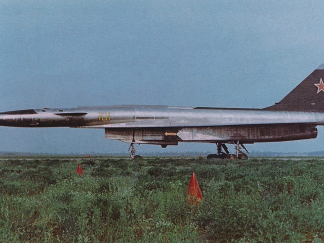 The Sukhoi T-4: The Soviet Valkyrie [Wingspan]