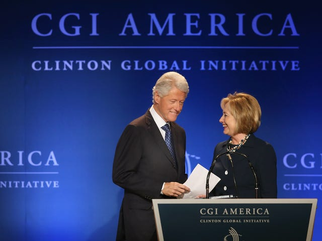 Sluit de Clinton Foundation