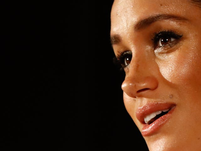 Meghan Markle Asked Her Dad to Stop Spooning Shit to Tabloids, Which He Then Spooned to Tabloids