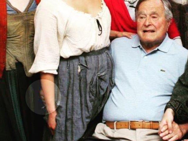 Deuxième femme: George HW Bush m'a cherché