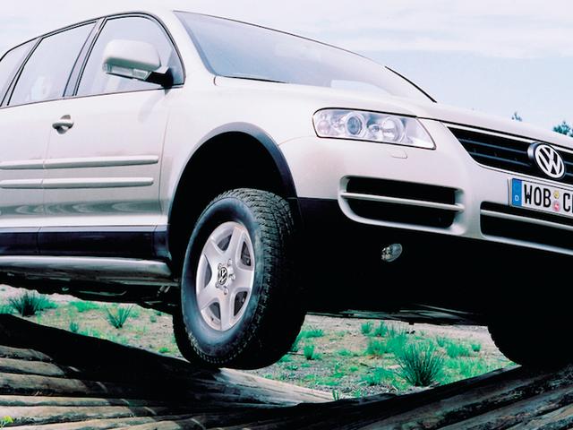 Các tính năng xa xỉ điên rồ khiến chiếc VW Touareg thế hệ đầu tiên trở thành một cơn ác mộng quá sức