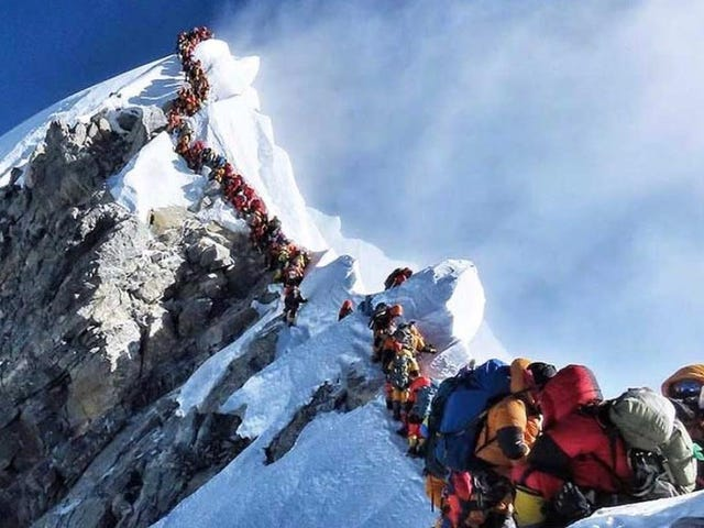 Colorado Attorney blir den 11: e personen att dö på Mt.  Everest om 10 dagar