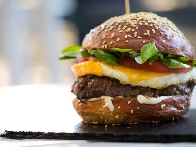 不可能的汉堡比肉对您更有益吗?