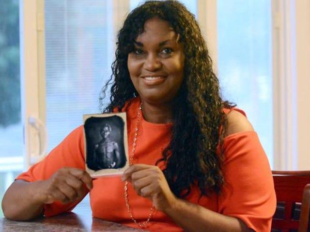 Harvard Dituduh 'Memalukan' Mengambil Untung Dari Foto Perbudakan
