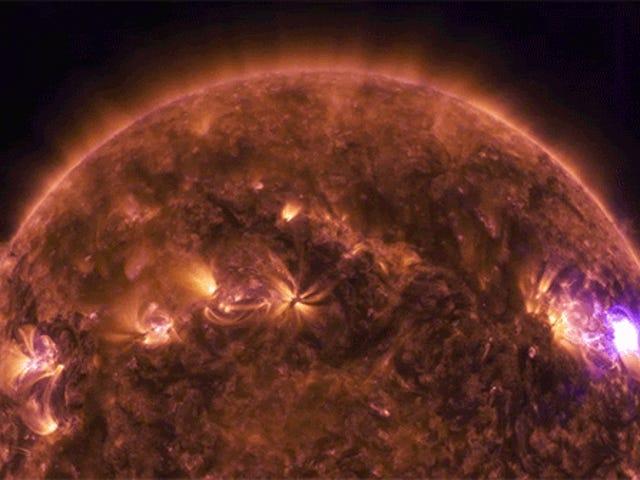 太陽の太陽フレアの電気的考察