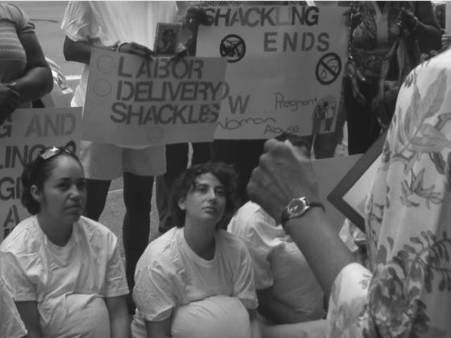 Gabenor New York Menandatangani Rang Undang-undang Mengharamkan Gendong Penghuni Hamil