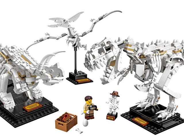 Lego's New Dinosaur Fossils Turn Your Desk Into a Miniature Natural History Museum