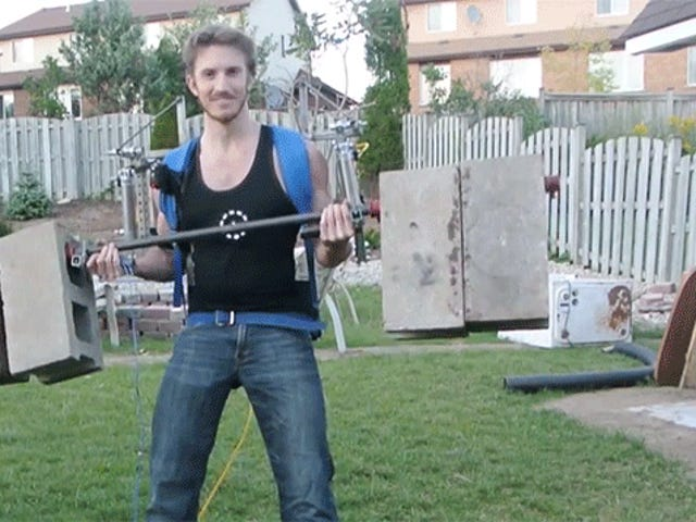 Awesome Home-Built Elysium Exoskeleton Lifts 170 Pounds Like Nothing
