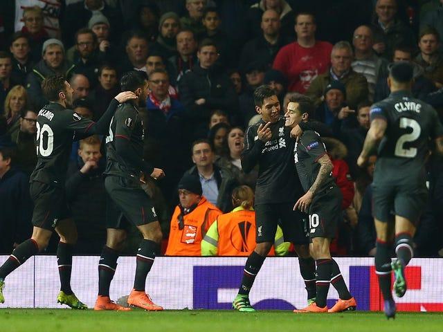 Hielo frío Coutinho patina por defensa, dagas Manchester United con un chip dulce