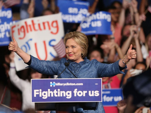 John Kasich prend l'Ohio;  Hillary Clinton parcourt la Floride, l'Ohio et la Caroline du Nord