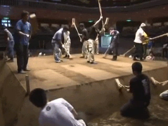 Seeing How a Sumo Ring Gets Built Is Truly Fascinating