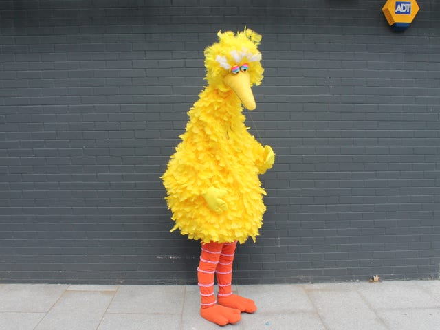 "Big Bird Cosplay Is An Enormous 7'8"" Tall"