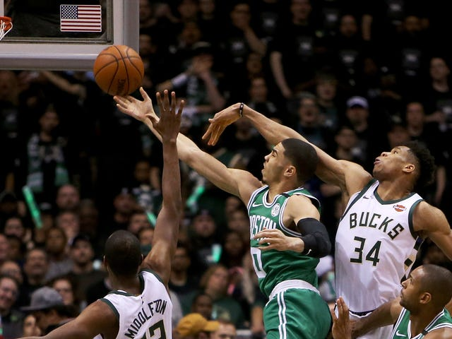 A Cool Thing Jayson Tatum Does A Lot
