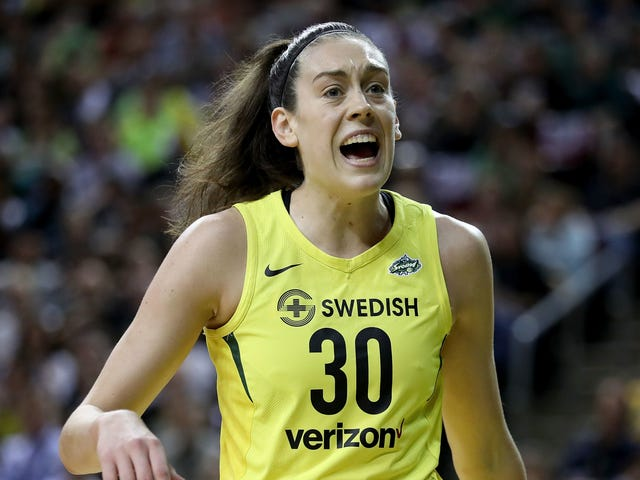 Breanna Stewart Likely Out For Season After Tearing Her Achilles With Russian Team