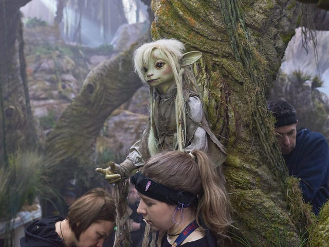 A New Dark Crystal Featurette and Images Highlight the Tremendous Talent Behind Thra