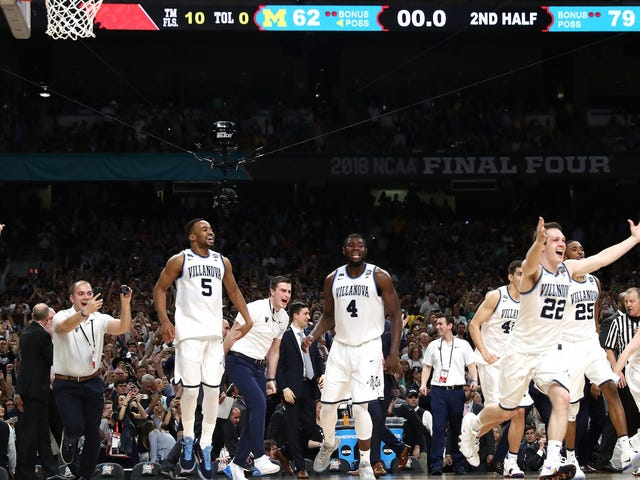 Villanova Coasts To Title On Back Of Record-Setting Bench Player Donte DiVincenzo