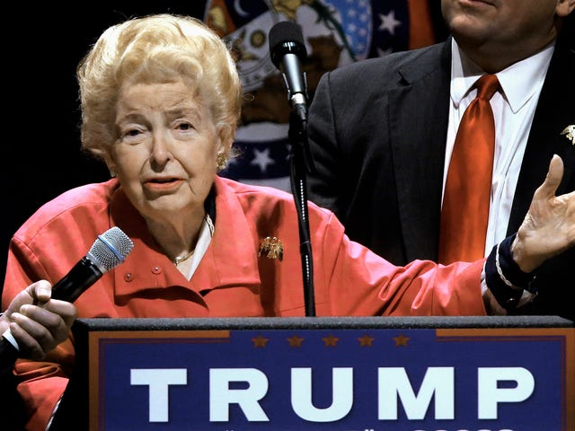 'First Lady of the Conservative Movement' Phyllis Schlafly Dies at the Age of 92
