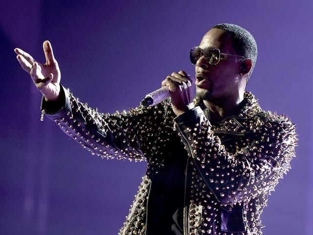 R. Kelly on #MuteRKelly: 'They Should Have Did This Shit 30 Years Ago'