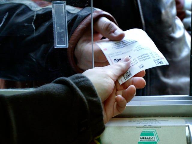 Por qué deberías comprar al menos un boleto en el sorteo más grande de la historia de la lotería en EE.UU., según las matemáticas