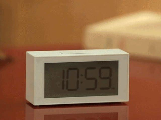 चतुर घड़ी यह सुपर स्पष्ट है कि क्या आपको अपना अलार्म सेट करना याद है