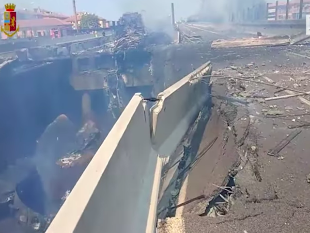 Explosion on Italian Highway Bridge Injures More Than 50: Report (Updated)