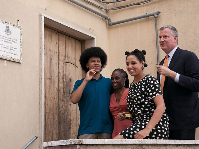 NY Mayor Bill de Blasio Reportedly Used NYPD Security Detail to Move Daughter Out of Apartment