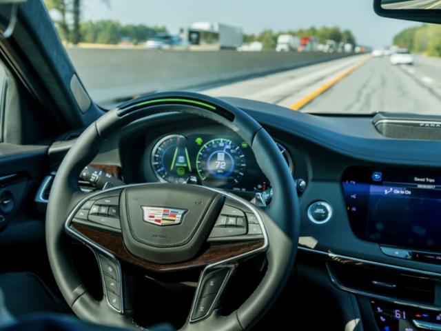 """GM está expandindo seu sistema semi-autônomo de """"super cruzeiro"""" para todos os modelos nos EUA"""