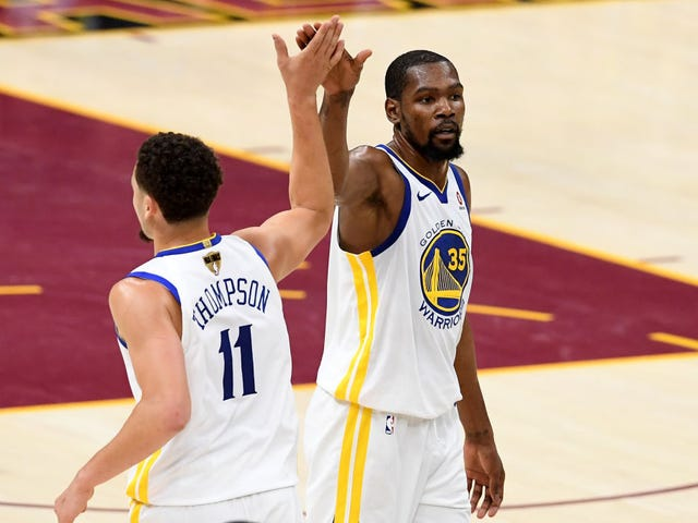 Klay Thompson Back; Kevin Durant Still Crab Meat