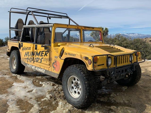 Tham gia một chuyến đi Hummer hướng dẫn của Joshua Tree là một điểm nổi bật trong kỳ nghỉ của tôi