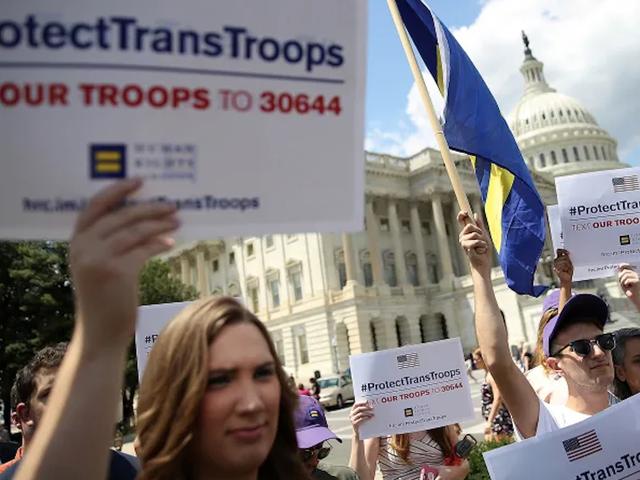 海軍士官学校はもはやトランス学生を受け入れていません