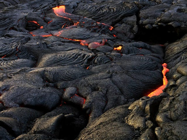 New Map of Hawaii Shows Where Kilauea's Lava Piled Up Over 900 Feet High