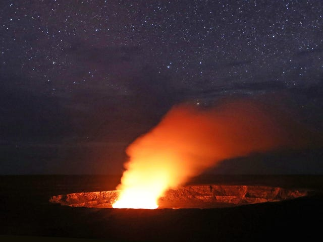 Scientists Fight Volcano Myths As Kilauea Erupts