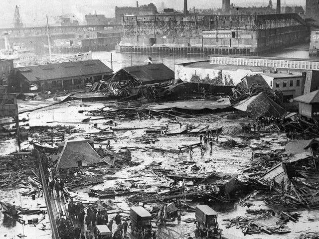 Hace exactamente100añosocurrióunaapatóstrofeinsólita:un diluvio mortal demelazaararasólaciudad de Boston
