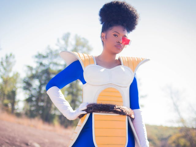 Black Cosplayer Gives All Her Favorite Characters 'Poofy, Curly Hair'