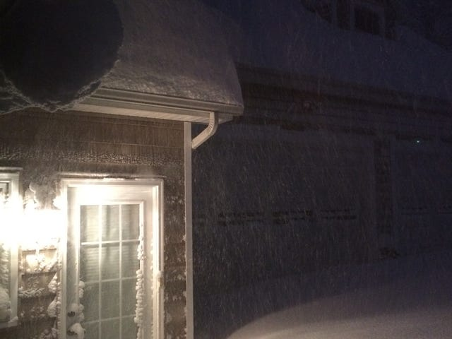 Snow in Buffalo (3ft and rising)
