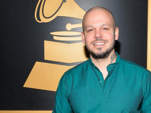 Residente Marks First Year Som Solo Artist With Two Grammy Wins
