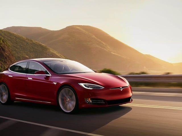 Tesla patenteert een lasersysteem om de voorruit te reinigen