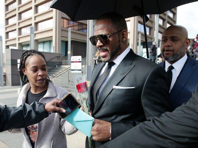 R. Kelly não apareceu no tribunal por causa do abuso de sexo civil porque não sabe ler, os advogados confirmam
