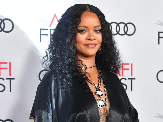Rihanna i ja rozpoczęliśmy rok 2020 z pryszczami na brodach (i żadne z nas nie wydało nowego albumu)