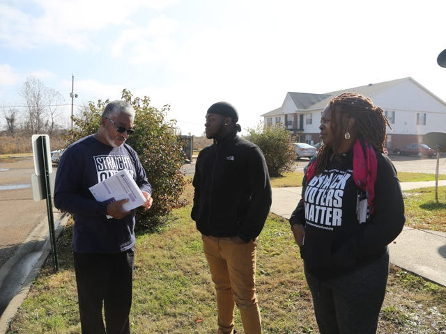 Ryhmä teki tiensä Mississippin kautta ennen senaatin valumista saadakseen mustat ihmiset äänestämään ja ymmärtämään heidän poliittisen voimansa