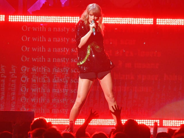 Shut Up Taylor Swift, Everybody Hated 2017