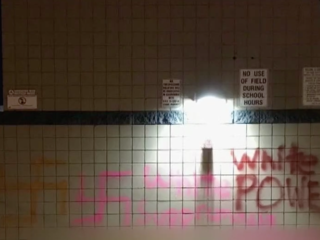 'White Power', Swastikas Spray-Painted on Arizona. Lycée