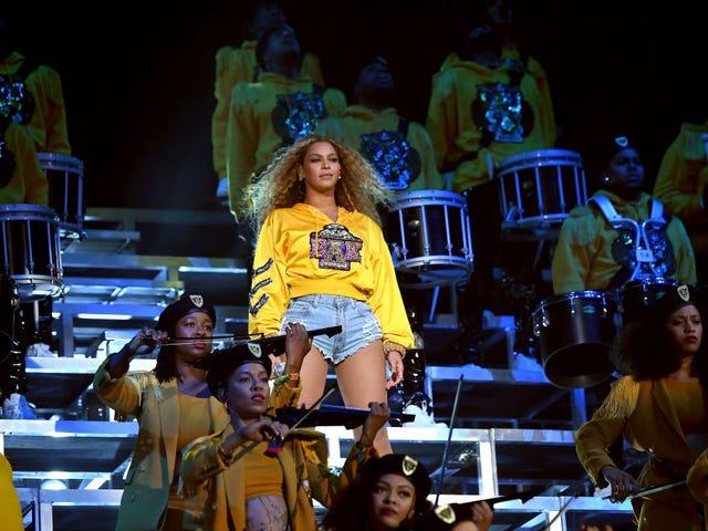 6 maneiras de cover de Beyoncé de &#39;Before I Let Go&#39; de <i>Homecoming: The Live</i> <i>Album</i> <i>Homecoming: The Live</i> apenas mudou o jogo