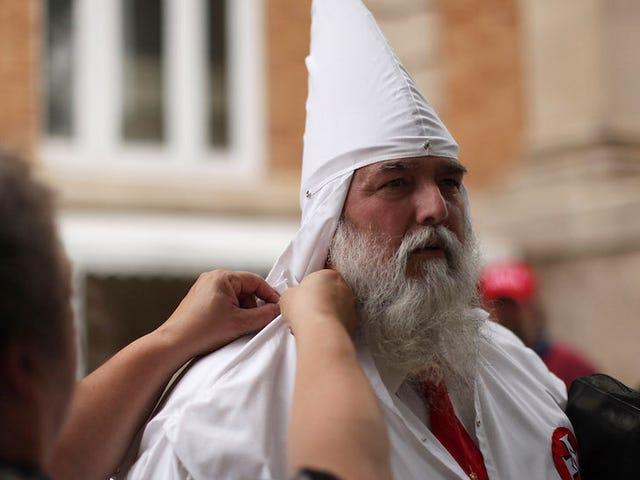Ku Klux Klan将在北卡罗来纳州集会庆祝特朗普的胜利