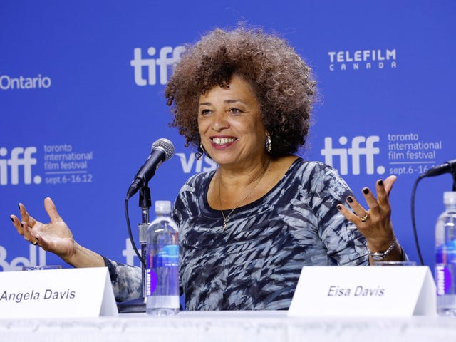 Civil Rights Institute Cancels Gala Honoring Angela Davis After Outcry From Jewish Community