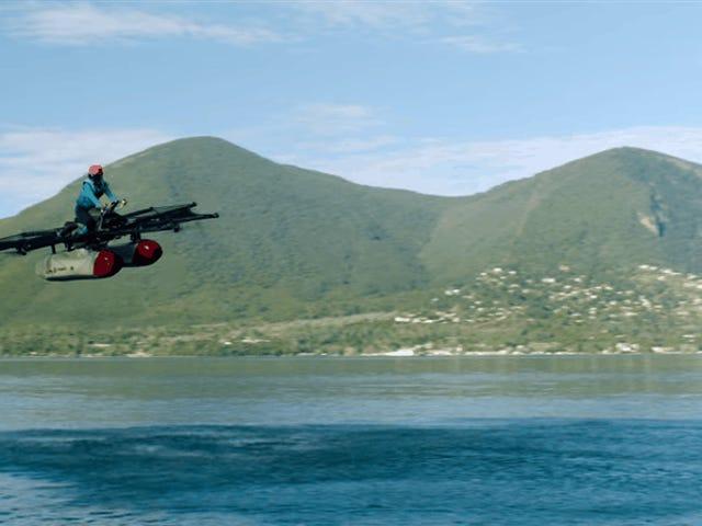 """El nuevo """"coche volador"""" del fundador de Google es un dron gigante que puede llevarte sobre el agua"""