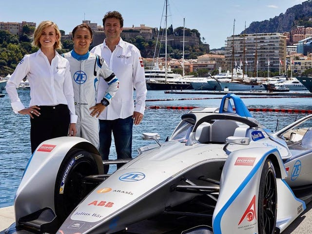 Ο πρώην οδηγός δοκιμής F1, Susie Wolff, παίρνει το πρωτάθλημα της Formula E Team